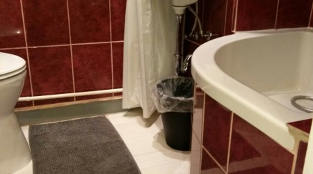 Private shower/Longterm/Decent B&B